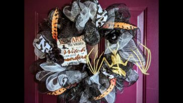 DIY Halloween Wreath Finished Product