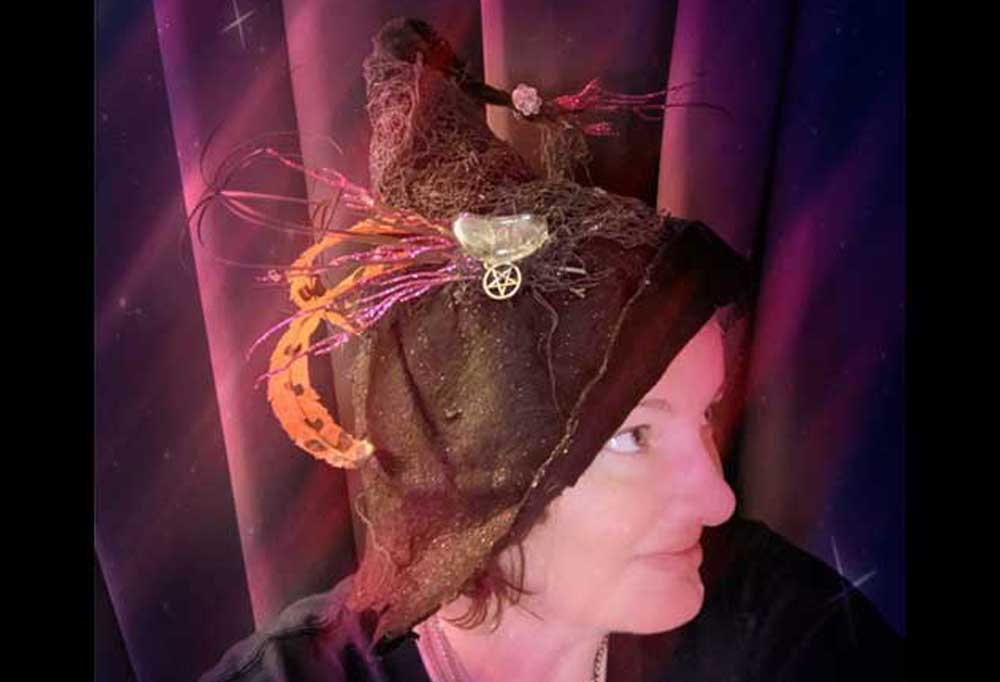 How to make an Easy Witch Hat finished hat