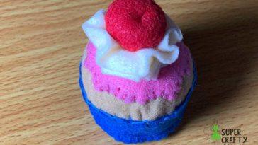 Finished felt cupcake